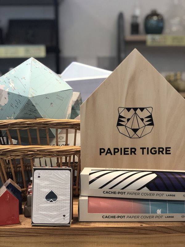 パリで人気のステーショナリー「PAPIER TIGRE」